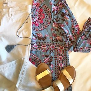 🌸Gorgeous Boho Top with Tassels NWT
